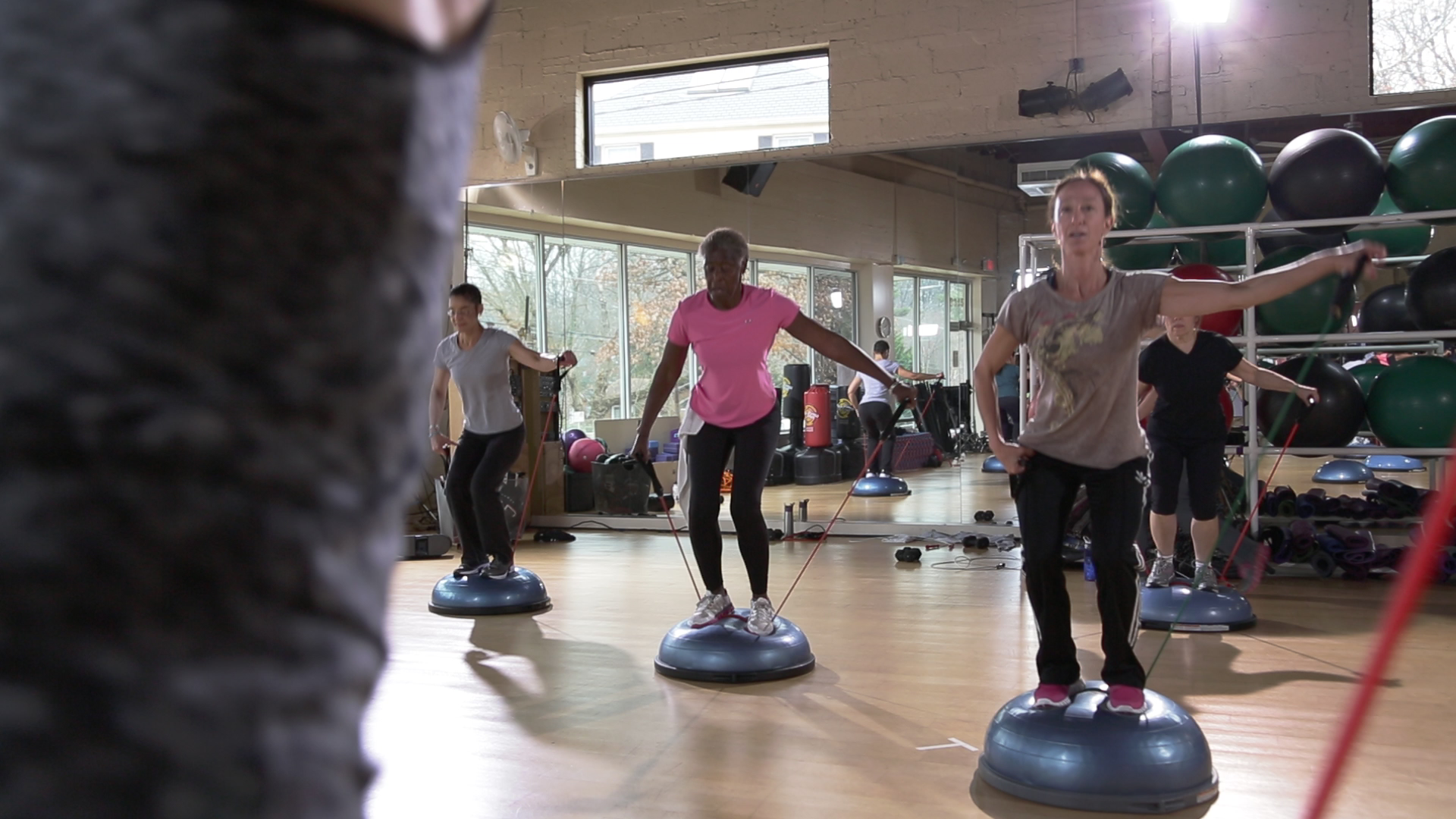 Simple Exercises To Boost Your Balance Rock Creek Sports Club Circuit Training Cardio And Tone